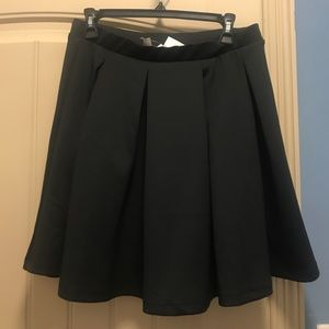 NWT ASOS Scuba Pleated Skirt. Black. Size 10